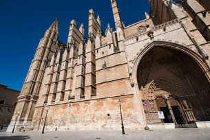 パルマ大聖堂:スペイン・マヨルカ島の写真素材 [FYI03815057]