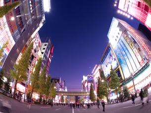 夕暮れの秋葉原電気街の写真素材 [FYI03816197]