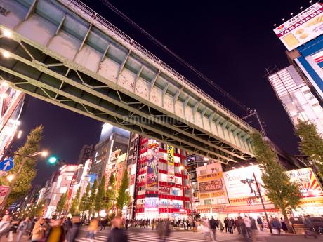 夕暮れの秋葉原電気街の写真素材 [FYI03816231]