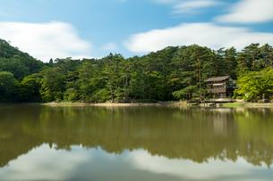 修法ヶ原池(兵庫県、六甲山)の写真素材 [FYI03816452]