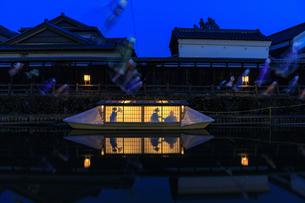 栃木県 巴波川の屋形船の写真素材 [FYI03816569]