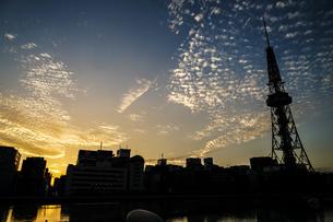 名古屋テレビ塔と夕景の写真素材 [FYI03817942]