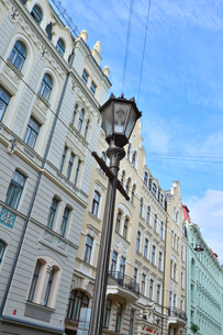 ラトビア・首都リガ新市街にある19世紀から20世紀初頭にかけてヨーロッパを中心に作られた優雅なデザインのアール・ヌーヴォー様式の建築の写真素材 [FYI03818060]