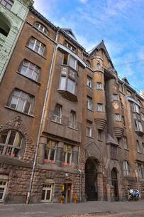 ラトビア・首都リガ新市街にある中世風の建物の写真素材 [FYI03818067]