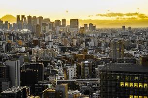 文京シビックセンターからの夕景の写真素材 [FYI03821028]