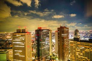 東京都庁舎の展望台から見える東京の夜景の写真素材 [FYI03821054]