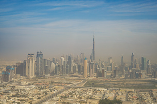 ドバイ(アラブ首長国連邦)の都市風景の写真素材 [FYI03821067]