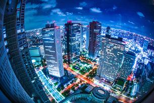 東京都庁舎の展望台から見える東京の夜景の写真素材 [FYI03821081]