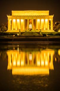 リンカーンメモリアル(ワシントンDC)の写真素材 [FYI03821102]