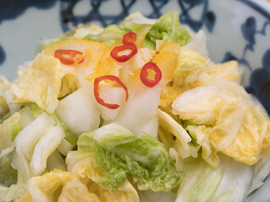 白菜の浅漬けの写真素材 [FYI03821594]