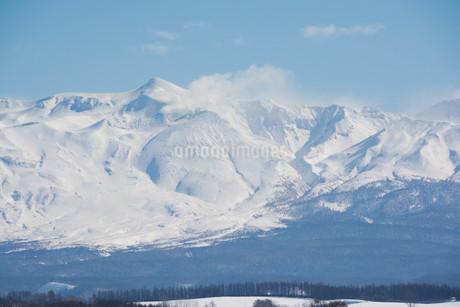 雪山の山頂と青空の写真素材 [FYI03822200]
