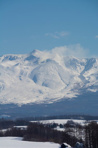 雪山の山頂と青空の写真素材 [FYI03822202]