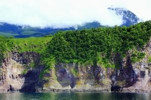 観光船から望む知床半島の写真素材 [FYI03822216]