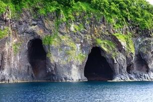 観光船から望む知床半島の写真素材 [FYI03822231]