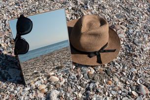 砂浜に映る海03の写真素材 [FYI03822743]
