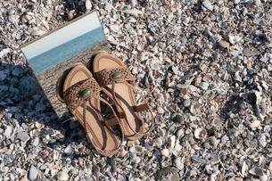 砂浜に映る海01の写真素材 [FYI03822749]