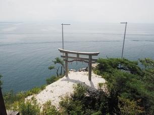 竹生島神社 かわら投げの写真素材 [FYI03823287]