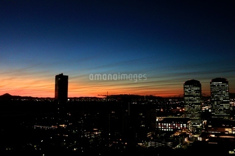 都会の夕景の写真素材 [FYI03823566]