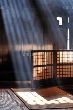 妻籠宿脇本陣 光の写真素材 [FYI03823856]