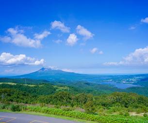 北海道 自然 風景 きじひき高原展望台より大沼方面遠望の写真素材 [FYI03824122]