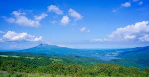 北海道 自然 風景 パノラマ きじひき高原展望台より大沼方面遠望の写真素材 [FYI03824123]