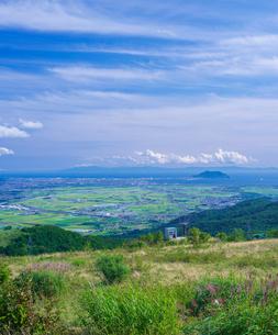 北海道 自然 風景 きじひき高原より函館、北斗市街遠望の写真素材 [FYI03824127]