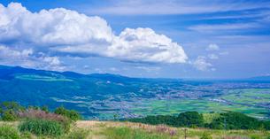 北海道 自然 風景 パノラマ きじひき高原より城岱高原方面遠望の写真素材 [FYI03824135]