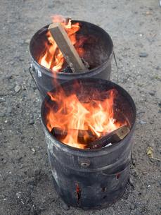 焚き火の写真素材 [FYI03824697]