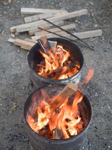 焚き火の写真素材 [FYI03824701]