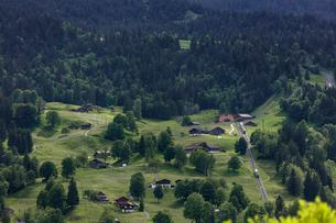 スイスの登山鉄道、ヴェンゲルンアルプ鉄道の写真素材 [FYI03825432]