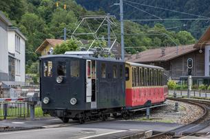 スイスの登山鉄道、シーニゲ・プラッテ鉄道の写真素材 [FYI03825497]