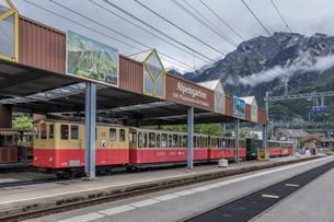 スイスの登山鉄道、シーニゲ・プラッテ鉄道の写真素材 [FYI03825504]