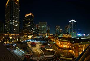 夜の東京駅の写真素材 [FYI03825902]