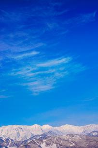 白馬連峰とすじ雲の写真素材 [FYI03826245]