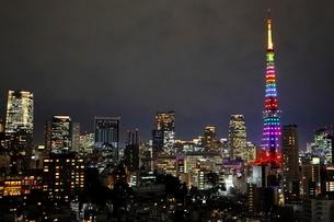 リニューアルした東京タワーのライトアップの写真素材 [FYI03826442]