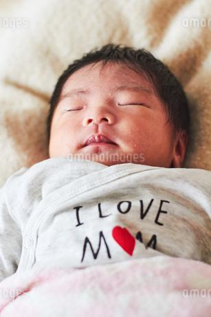 生後2週間の乳児の写真素材 [FYI03826714]