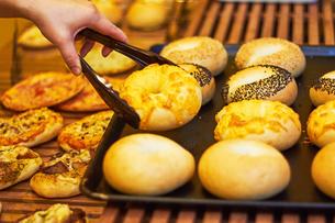 パン屋のパンの写真素材 [FYI03826814]