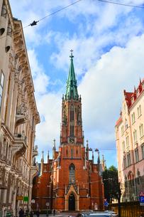 ラトビア・首都リガにある英国教会・1857年に英国の商人達が寄付して設立したと言われるゴシック調の英国国教の教会の写真素材 [FYI03827252]