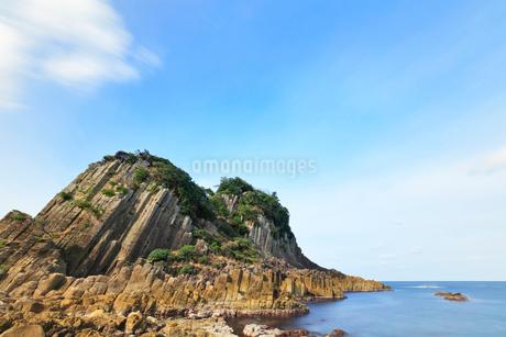 越前加賀海岸国定公園 冬の日本海と鉾島の写真素材 [FYI03827706]