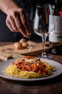 Italian spaghetti with a bolognese meat sauceの写真素材 [FYI03827745]