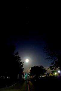 満月の夜の写真素材 [FYI03828472]