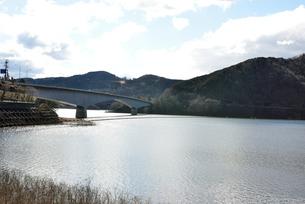 阿木川ダム湖の写真素材 [FYI03829664]