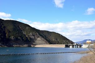 阿木川ダム湖の写真素材 [FYI03829665]
