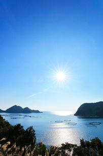 二木島湾の養殖いけすの写真素材 [FYI03830034]