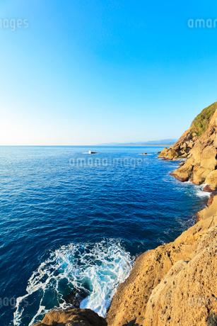 世界遺産熊野古道 鬼ヶ城と熊野灘の写真素材 [FYI03830039]