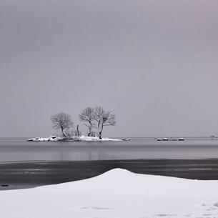 桧原湖冬景色の写真素材 [FYI03830288]