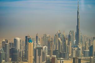 ドバイ(アラブ首長国連邦)の都市風景の写真素材 [FYI03830955]