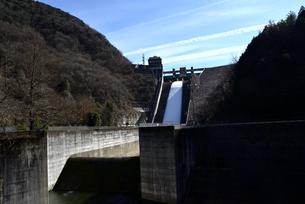 阿木川ダムの写真素材 [FYI03831005]