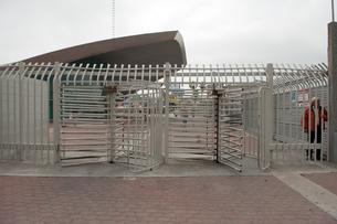 国境ゲートのメキシコ側の写真素材 [FYI03831541]