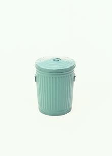 ゴミ缶の写真素材 [FYI03831769]